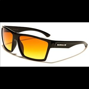 HD Sunglasses NWT plus microfiber pouch